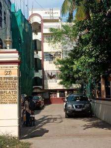 Gallery Cover Image of 780 Sq.ft 2 BHK Apartment for buy in KK Nagar for 4500000
