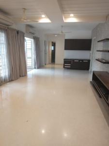 Gallery Cover Image of 1800 Sq.ft 3 BHK Apartment for rent in Adyar for 70000