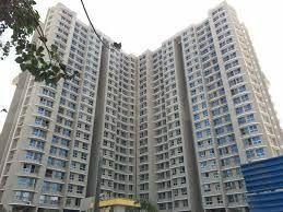 Gallery Cover Image of 1250 Sq.ft 2 BHK Apartment for buy in Marina Enclave Tower K & L, Malad West for 14500000