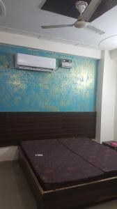 Gallery Cover Image of 450 Sq.ft 1 RK Independent Floor for rent in DLF Phase 3 for 9000