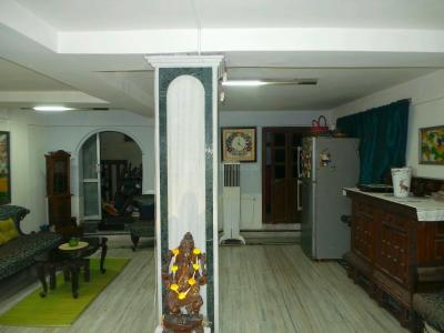Gallery Cover Image of 2000 Sq.ft 3 BHK Independent House for buy in Dhakuria for 11000000