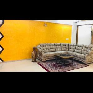 Gallery Cover Image of 1980 Sq.ft 3 BHK Apartment for buy in  Ratnadeep Complex, Jodhpur for 13000000
