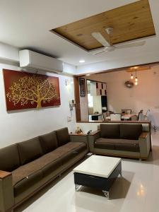 Gallery Cover Image of 2214 Sq.ft 3 BHK Apartment for buy in Binori Solitaire, Bopal for 12500000