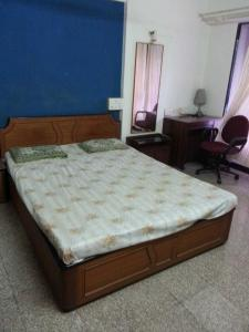 Gallery Cover Image of 650 Sq.ft 1 BHK Apartment for rent in Kandivali West for 22000