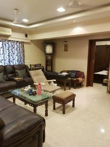 Gallery Cover Image of 1075 Sq.ft 3 BHK Apartment for buy in Akansha Heights, Worli for 35000000