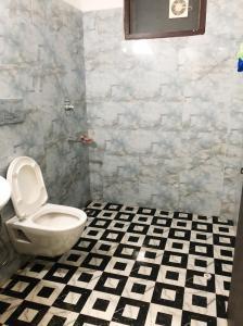 Bathroom Image of Shree Laxmi Accommodation in Sector 54