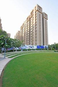 Gallery Cover Image of 1994 Sq.ft 3 BHK Apartment for buy in Pacifica Reflections, Khodiyar for 11000000