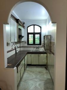 Gallery Cover Image of 1300 Sq.ft 3 BHK Independent House for buy in Niti Khand for 6000000