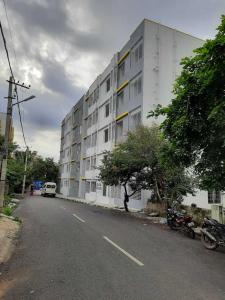 Gallery Cover Image of 1250 Sq.ft 3 BHK Apartment for buy in Kumaraswamy Layout for 5600000