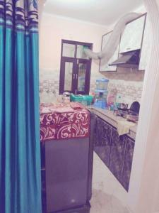 Gallery Cover Image of 450 Sq.ft 1 BHK Independent Floor for rent in Mahavir Enclave for 7500