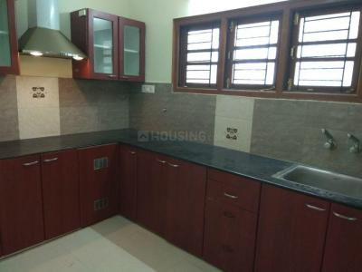 Gallery Cover Image of 1200 Sq.ft 2 BHK Apartment for rent in Vijay TenSquare Apartment, Manapakkam for 22000