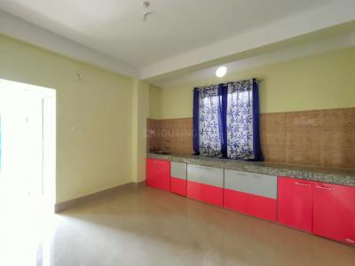 Gallery Cover Image of 1300 Sq.ft 2 BHK Apartment for rent in Uttarayan Residency, Kahilipara for 15000