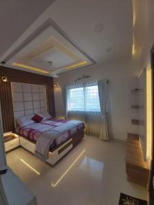 Gallery Cover Image of 2000 Sq.ft 4 BHK Villa for buy in Chandkheda for 16500000