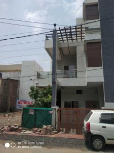 Gallery Cover Image of 1200 Sq.ft 2 BHK Independent House for buy in Maharaja Tukoji Rao Holker Cloth Market for 4000000