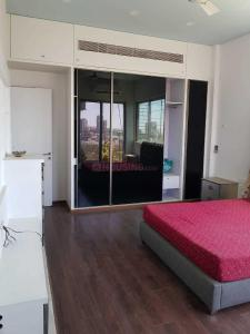 Gallery Cover Image of 4500 Sq.ft 4 BHK Apartment for rent in Bandra West for 615000