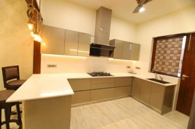 Gallery Cover Image of 2718 Sq.ft 3 BHK Independent Floor for buy in Sector 75 for 7800000