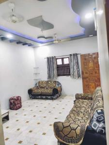 Gallery Cover Image of 1700 Sq.ft 3 BHK Independent House for buy in Naroda for 9000000