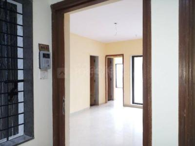 Gallery Cover Image of 1000 Sq.ft 2 BHK Apartment for rent in Lokhandwala Living Essence, Kandivali East for 25000