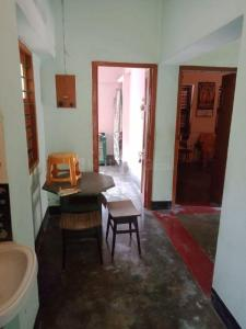 Gallery Cover Image of 1800 Sq.ft 3 BHK Independent House for buy in Jadavpur for 6000000