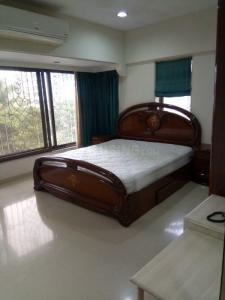 Gallery Cover Image of 2450 Sq.ft 4 BHK Apartment for rent in Juhu for 300000