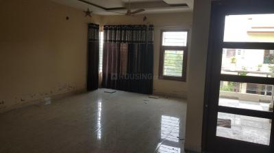Gallery Cover Image of 960 Sq.ft 2 BHK Independent Floor for rent in Kharar for 14000