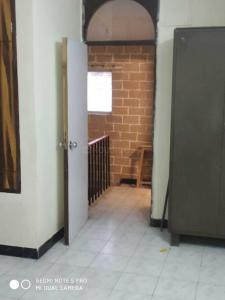 Gallery Cover Image of 850 Sq.ft 1 BHK Independent Floor for rent in Vashi for 25000