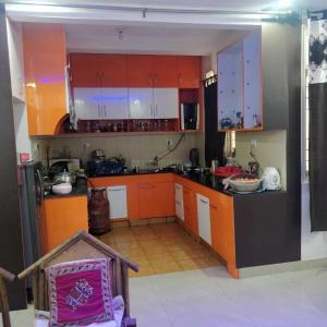 Gallery Cover Image of 1250 Sq.ft 2 BHK Apartment for buy in Ashiyana for 6000000
