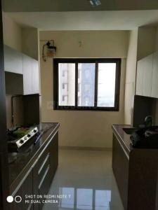 Gallery Cover Image of 720 Sq.ft 2 BHK Apartment for rent in Mulund West for 40000