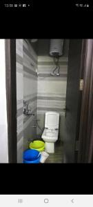 Bathroom Image of Many Options Available in Patel Nagar