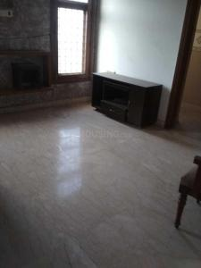 Gallery Cover Image of 1700 Sq.ft 3 BHK Apartment for rent in Defence Colony for 70000