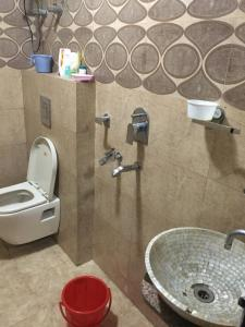 Bathroom Image of PG 4313858 Rajinder Nagar in Rajinder Nagar