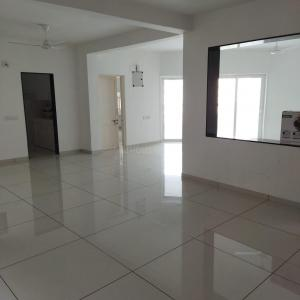 Gallery Cover Image of 2385 Sq.ft 3 BHK Apartment for rent in Bodakdev for 35000