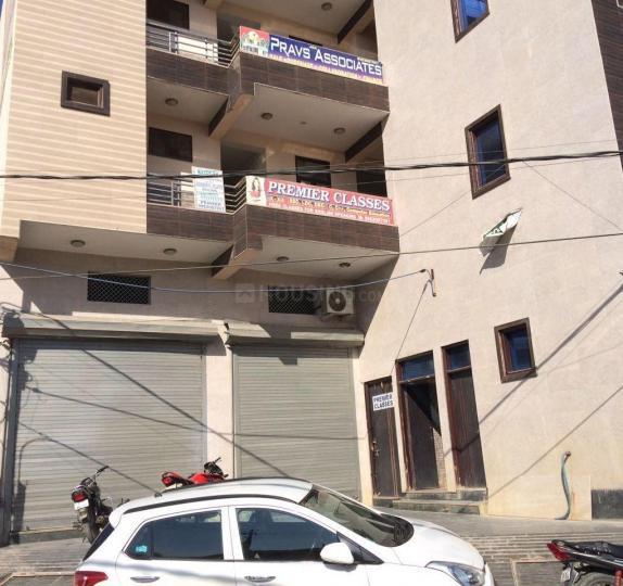 वजीराबाद में प्रीमियर पीजी में बिल्डिंग की तस्वीर