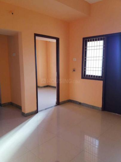 Living Room Image of 650 Sq.ft 2 BHK Apartment for rent in Perungalathur for 10000