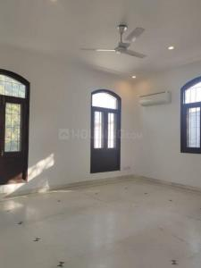 Gallery Cover Image of 1800 Sq.ft 3 BHK Independent Floor for buy in Neb Sarai for 8000000