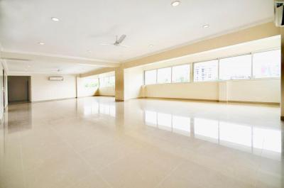 Gallery Cover Image of 5000 Sq.ft 5 BHK Apartment for rent in Bandra West for 795000