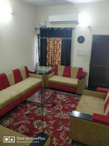 Gallery Cover Image of 900 Sq.ft 2 BHK Apartment for buy in Malviya Nagar for 6200000