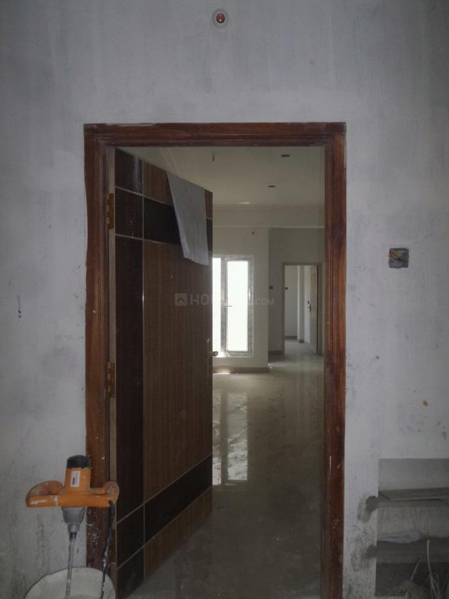 Main Entrance Image of 777 Sq.ft 2 BHK Apartment for buy in Ambattur for 3600000