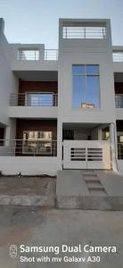 Gallery Cover Image of 2620 Sq.ft 4 BHK Villa for buy in Omaxe Hills, Rau for 7200000