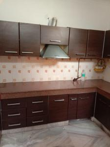 Gallery Cover Image of 1800 Sq.ft 3 BHK Apartment for rent in Sector 23 Dwarka for 27000