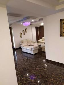 Gallery Cover Image of 1230 Sq.ft 2 BHK Apartment for rent in Sector 44 for 20000