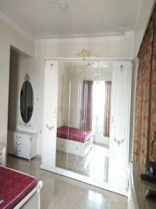 Gallery Cover Image of 4500 Sq.ft 5 BHK Apartment for rent in Powai for 350000