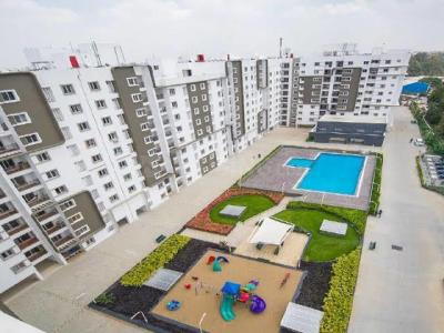 Gallery Cover Image of 1419 Sq.ft 3 BHK Apartment for rent in Bren Corporation Bren Avalon, Kartik Nagar for 30000
