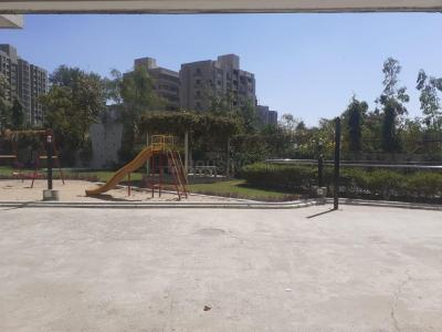Gallery Cover Image of 1600 Sq.ft 3 BHK Apartment for buy in Shivam Priory, Makarba for 10000000