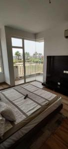 Gallery Cover Image of 1140 Sq.ft 2 BHK Apartment for rent in Noida Extension for 9500
