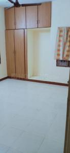 Gallery Cover Image of 1400 Sq.ft 3 BHK Apartment for rent in Anjaneyaa Deluxe Apartments Chrompet, Chromepet for 18000