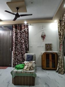 Gallery Cover Image of 600 Sq.ft 1 BHK Independent House for rent in Sector 57 for 16500