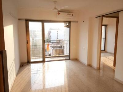 Gallery Cover Image of 950 Sq.ft 2 BHK Apartment for rent in Shree Mahalakshmi Apartment, Andheri West for 45000