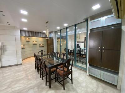 Gallery Cover Image of 2200 Sq.ft 4 BHK Apartment for rent in Andheri West for 140000