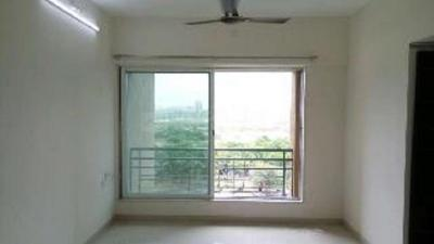 Gallery Cover Image of 868 Sq.ft 2 BHK Apartment for rent in Malad West for 33000